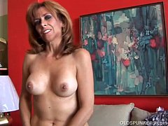 Super sexy old spunker loves to fuck her soaking wet pussy for you