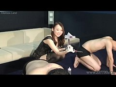 Japanese femdom Risa amazing CFNM and anal fing...