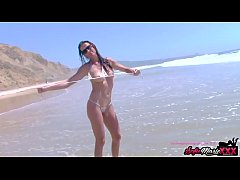 SofieMarieXXX - MILF Teases Passersby Naked On The Beach