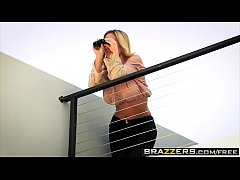 Brazzers - Milfs Like it Big - (Olivia Austin) - Sweet Treat For A Neighbor
