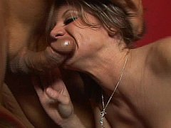 Tatooed brunette gives great BJ