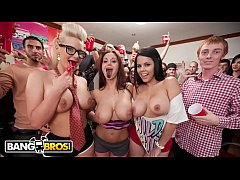 BANGBROS - Phoenix Marie, Ava Addams and Diamond Kitty Invade A College Dorm Room