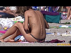 HD Amateur Young Gorgeous Topless Teens Beach Voyeur Close Up Video