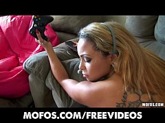 Gamer girl Gulliana Alexis catches her boyfriend spying on her