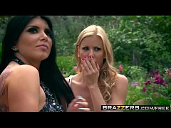 HD Brazzers - Milfs Like it Big - (Alexis Fawx, Romi Rain, Keiran Lee) - Pervert In The Park - Trailer preview