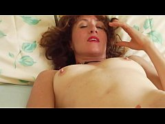 Melodi the yoga instructor has a great morning masturbation routine