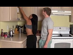 mom takes load in laundry room - alexis rain - full version - family therapy
