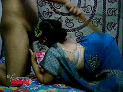 Amateur Indian MILF Velamma Bhabhi Blowjob and DoggyStyle Sex