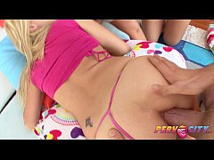 HD PervCity Teen Shane Dos Santos Watches Sadie Sable Gape Wide