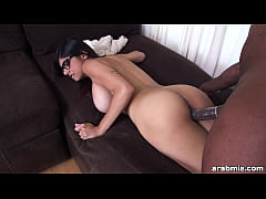 Mia Khalifa Struggles To Take a Big Black Cock (mk13775)