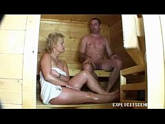 Clip sex Milf fucking in the sauna ends with creampie