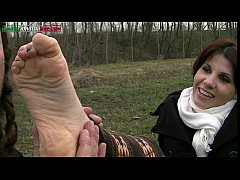 UI011-In the country with Leila -Amateur Foot W...