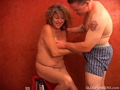 Super sexy shy old spunker plays with her juicy...