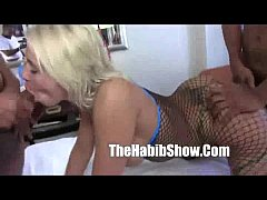 Hollyberry blonde milf freaks gangbanged by crips