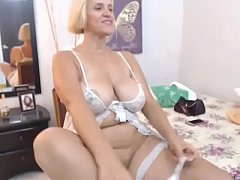 Hottest thick milf free stripped tease live cam