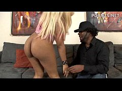 The Hookup In The  Pawnshop With Victoria Banxxx