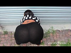 Thick Black Chick Twerking
