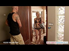 Tattooed Kleio Valentien fucking outdoors