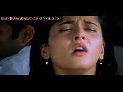 Anushka oily navel show from souryam