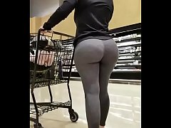 Thick ass BLONDE PAWG