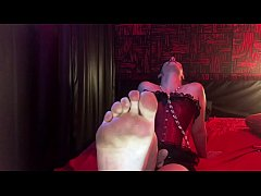 Worship my Strapon,  Serve my Feet! Mistress Hotwife Venus.
