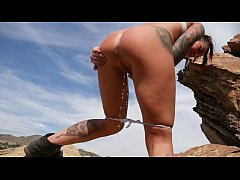Felicity Feline outdoor peepee sex blowjob
