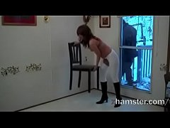 Exhibitionist wiping naked for the sweeper, who skirted!