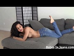 I can shake my ass for you in my tight jeans JOI