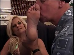 Super hot blonde Brooke Hunter allows suck her foot before pussy drilling