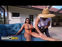 BANGBROS - Look At The Killer Body On This Ebony Queen. OMG What A Booty!