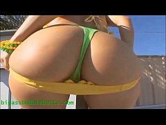 HD bubble butt slut in hot bikini showing her big ass gets fucked and cum on asshole