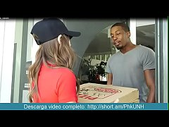 Riley Reid, pizza a domicilio descarga video completo http://short.am/PhkUNH