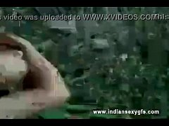 Hyderabad Indian college girl having sex with senior in college garden - indiansexygfs com - XVIDEOS