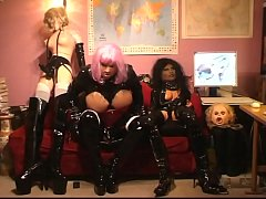 Roxina2009LatexGurlAndDollPals190909XXL.WMV