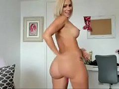 See Big Ass White Gal Nasty on Cam - www.nubianlovecams.com