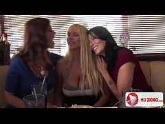 Syren De Mer Zoey Holloway Karen Fisher And Bruce Venture