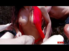 Horny slut gets double penetration at the beach