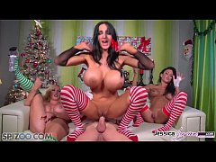 Spizoo - Jessica Jaymes, Nikki Benz and Amy Anderssen fucking Santa's cock