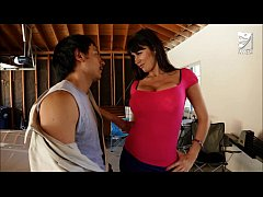 Mexican exterminator fucks MILF with huge tits Eva Karera!!! axxxteca