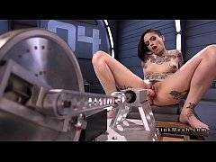 sexy alt babe fucking machines and squirting