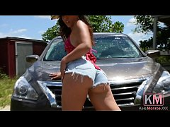 KM.14 Kelsi Monroe Washes and Details A Car Solo Masturbation Dildo Pussy Spreading