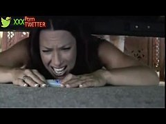 step mom stuck under bed at HornBunny - W ...