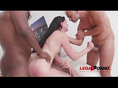 Young slut Miranda Miller gets a serious pounding & airtight DP