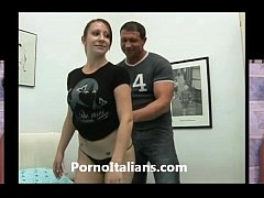 Ragazza italiana scopata da muscoloso maturo! Italian Girl fucked by muscular ma