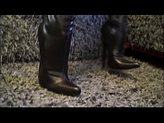 Best Mom In Extreme Thigh Boots POv. See pt2 at...