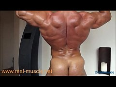 Realmuscle Hot Posing Naked
