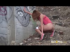 Got2Pee - Pretty babe pulls off her hotpants to piss outside