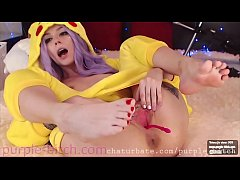 purple-bitch.com anal fingers2