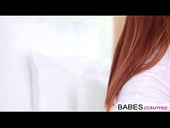 Babes - WHITE VIBES - Ariel