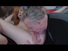 gamergirlroxy using hitachi glass toy and lush to orgasm